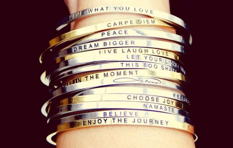 Geschenk Geburtstag Armbänder graviert