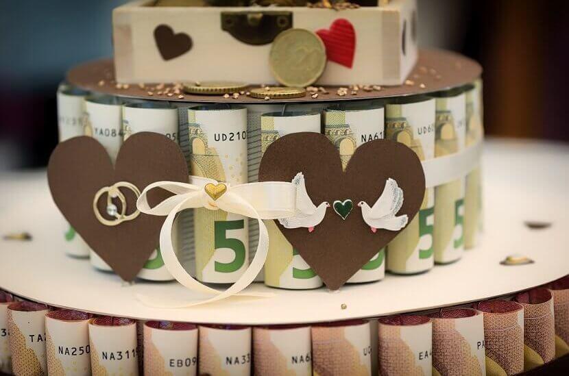 Geld kreativ schenken Torte