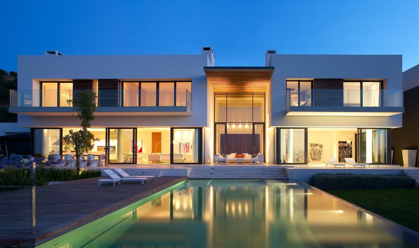 Innenhof Spanischer Häuser mit Pool