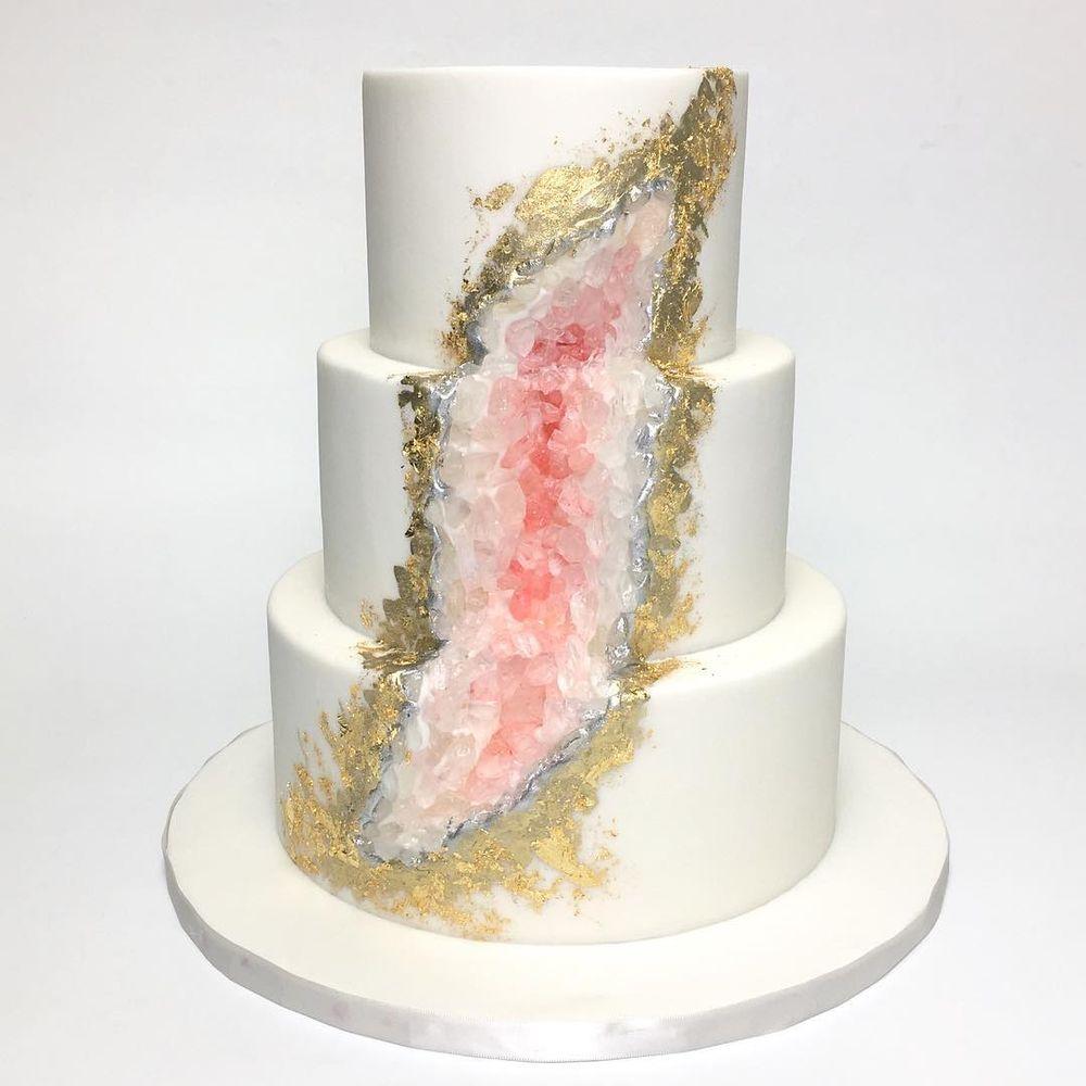 Moderne Hochzeitstorten - Geode Cake oder noch Kristall Torte genannt
