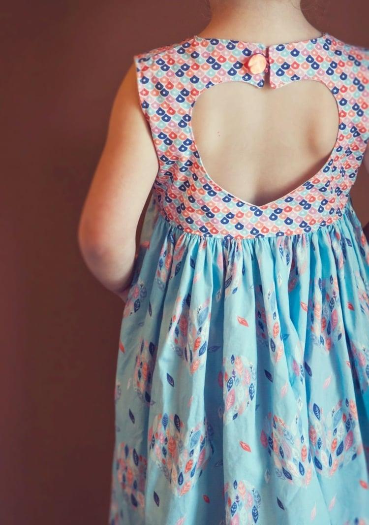 Kinderkleidung Herz Rücken Kleid herrlicher Look
