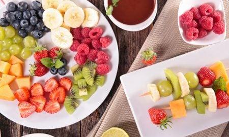 Leckere Obstspieße zum Selbermachen