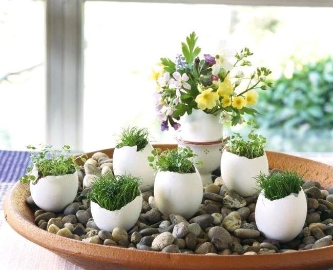 Osterdeko für Garten mit Eischalen
