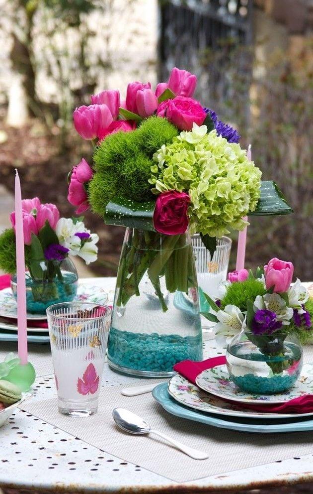 Osterdeko Garten und Blumensträuße