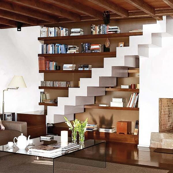 Schrank unter Treppe praktische Regale