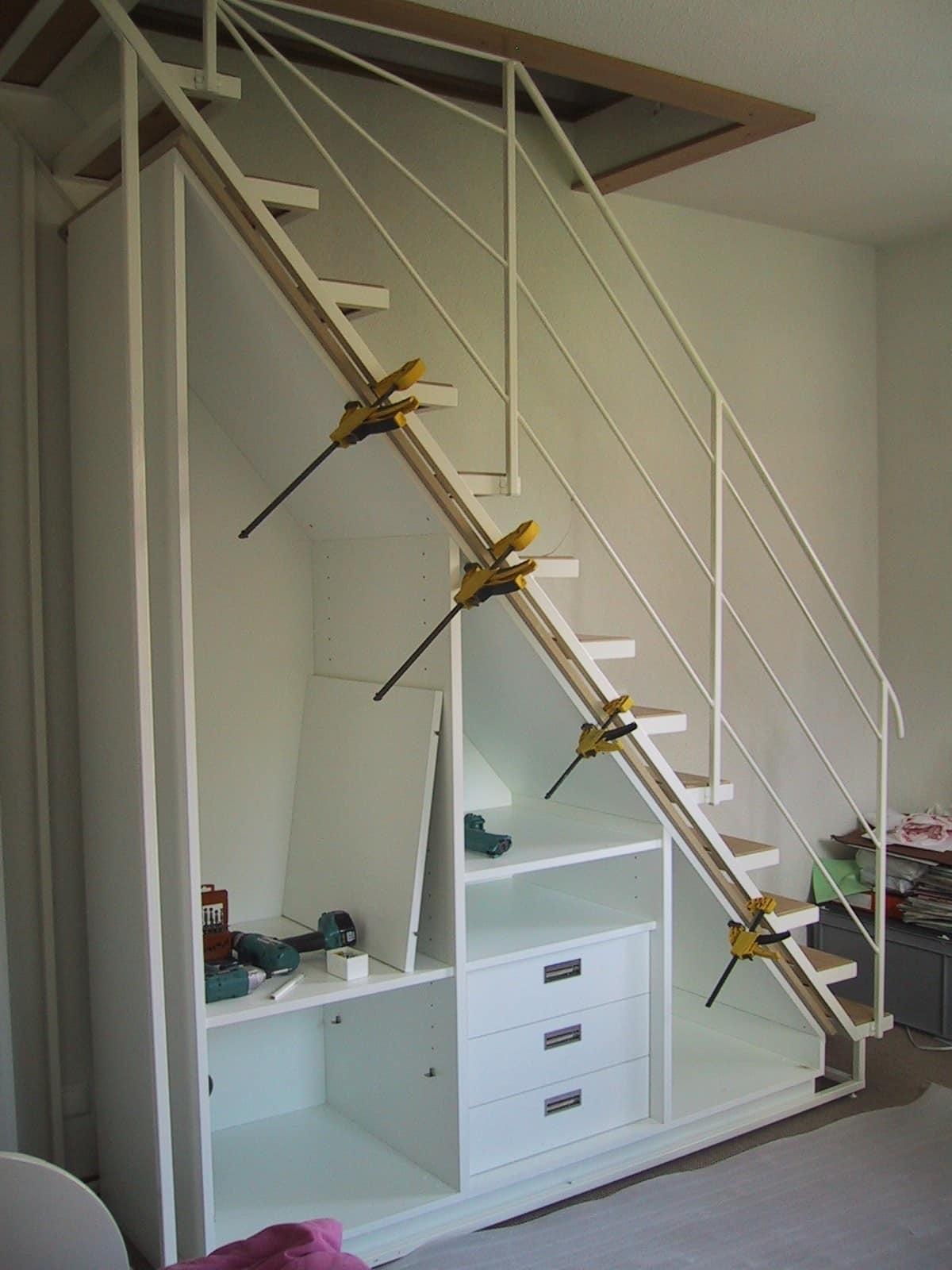 Schrank unter Treppe selber bauen