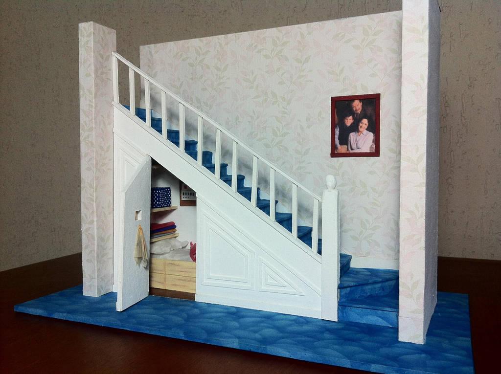Schrank Treppe praktisch funktional
