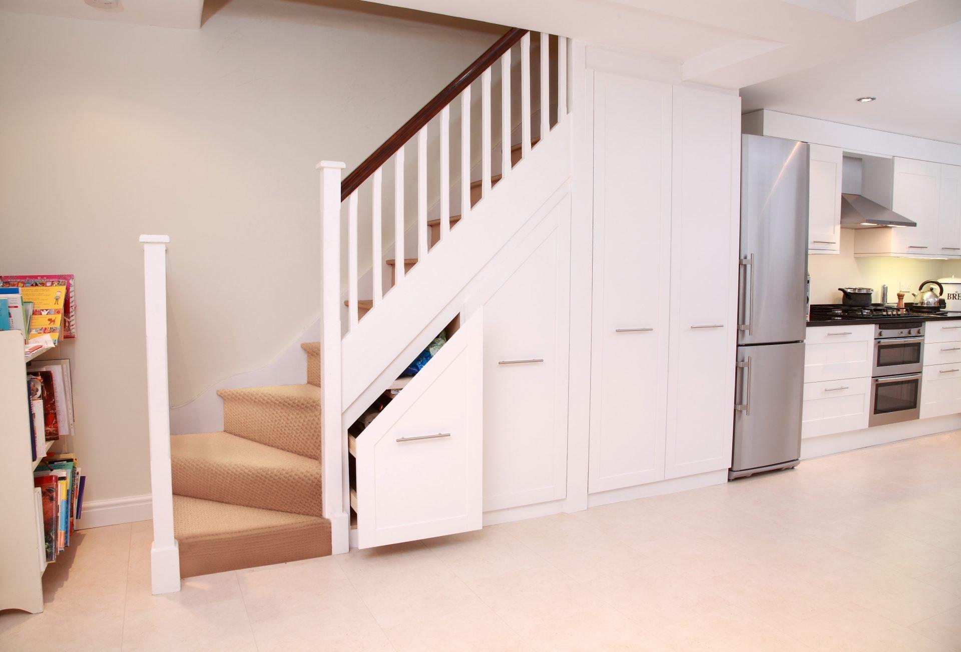stilvolle Idee Treppenhaus Schranksystem