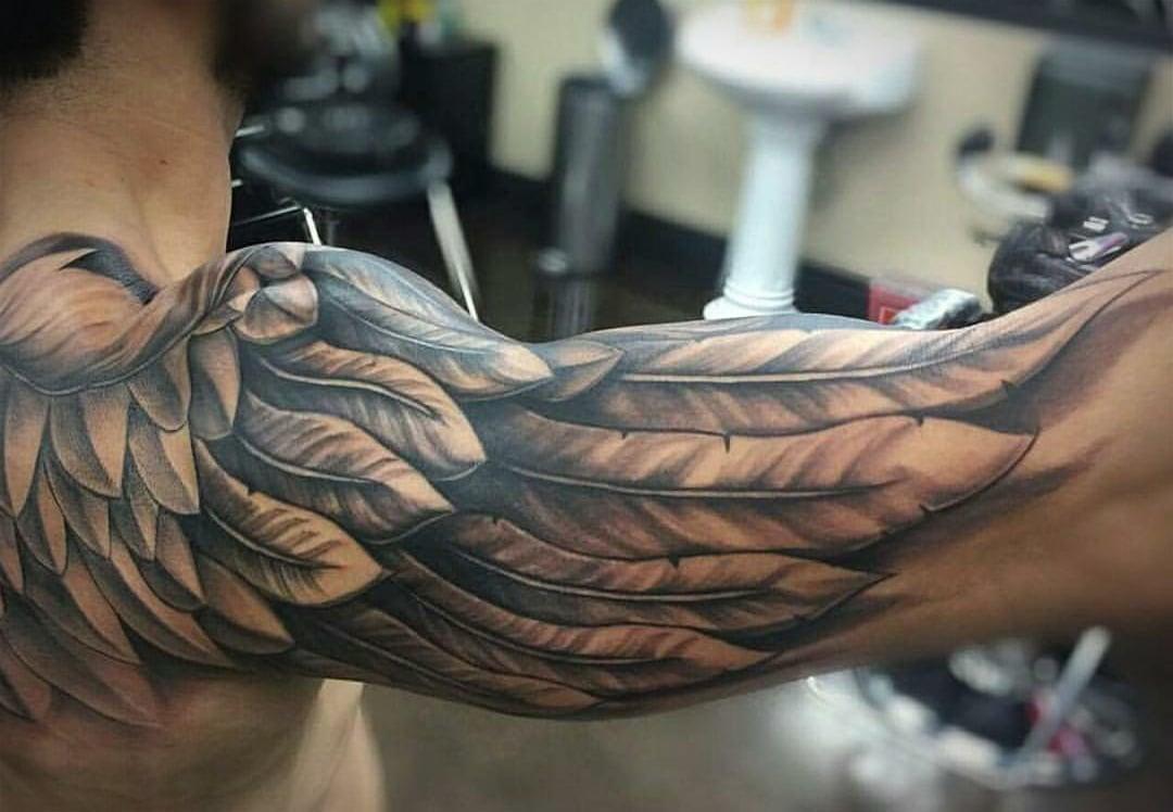 Tattoo Schulterblatt - Unterarm Tattoo Mann