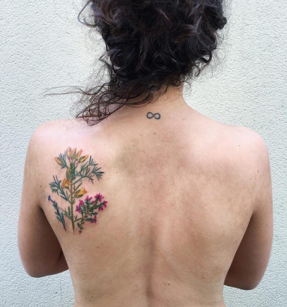 Tattoo Schulterblatt Blumen Tattoo Ideen