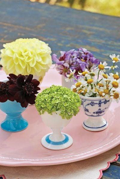 Tischdeko Frühling mit bunten Nuancen