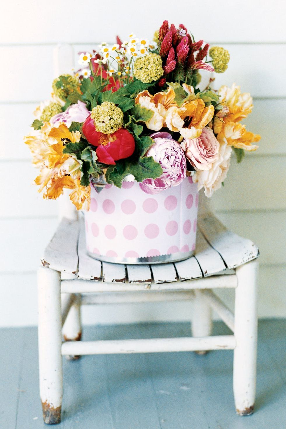 Tischdeko Frühling selbst gemacht: mit frischen Blumen