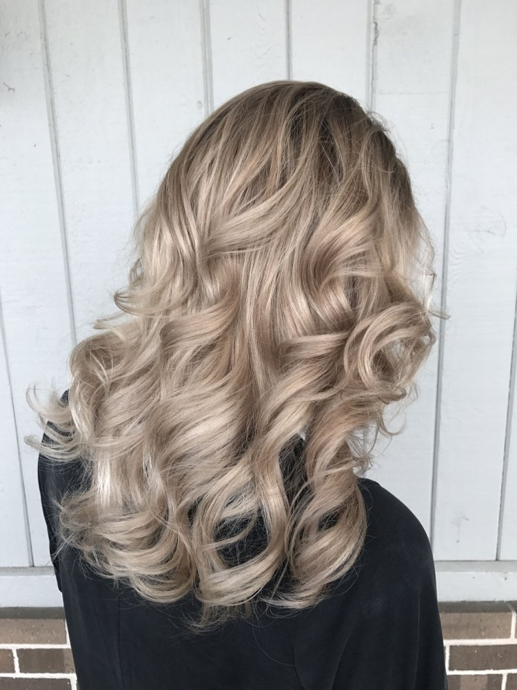 Haarfarben Trends 2019 angesagte Blondtöne