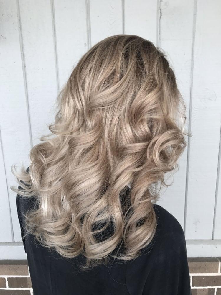 Haarfarben Trends 2019 angesagte Blondtöne