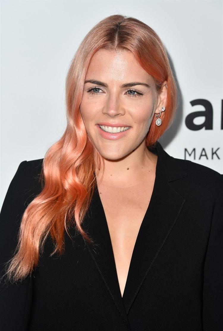 coralfarbene Haare wirklich originell