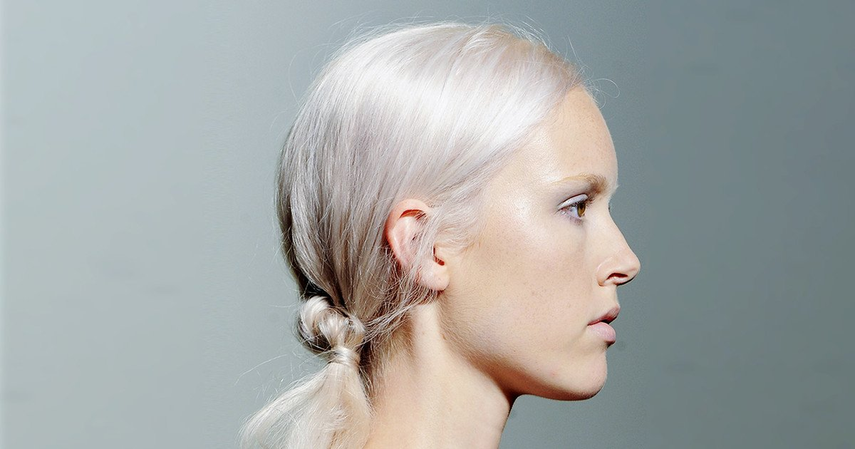 eisblonde Haare schick elegant