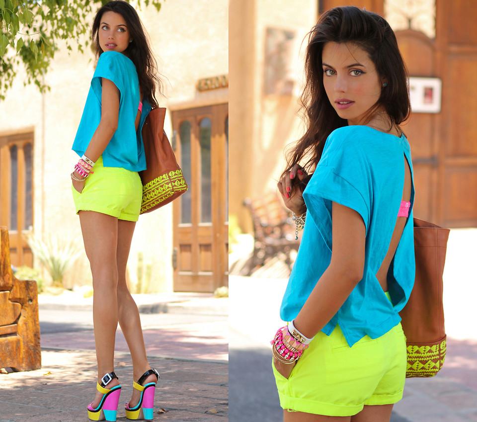 neongelbe Shorts gelungen kombinieren