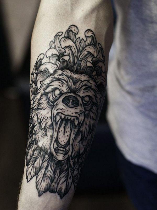 Tattoo Arm Mann Bär
