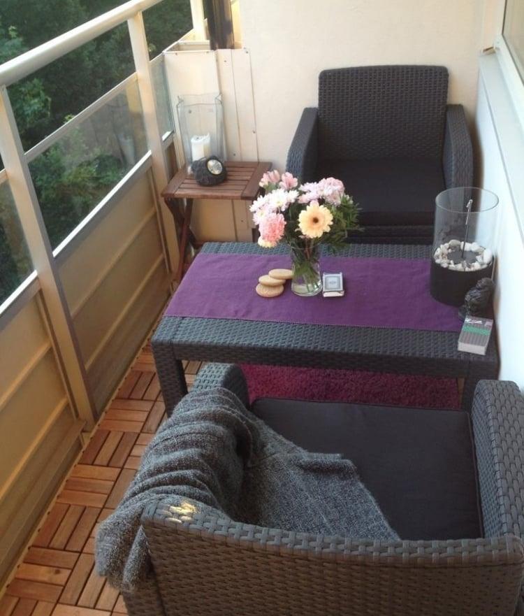 Balkon Sitzecke Rattanmöbel
