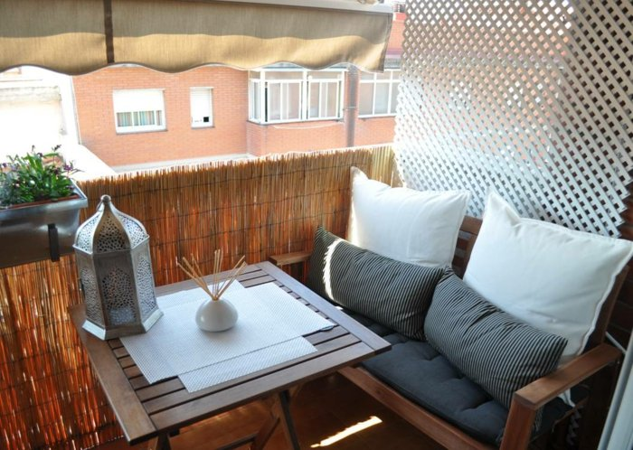 Balkon Sichtschutz aromatische Stäbchen