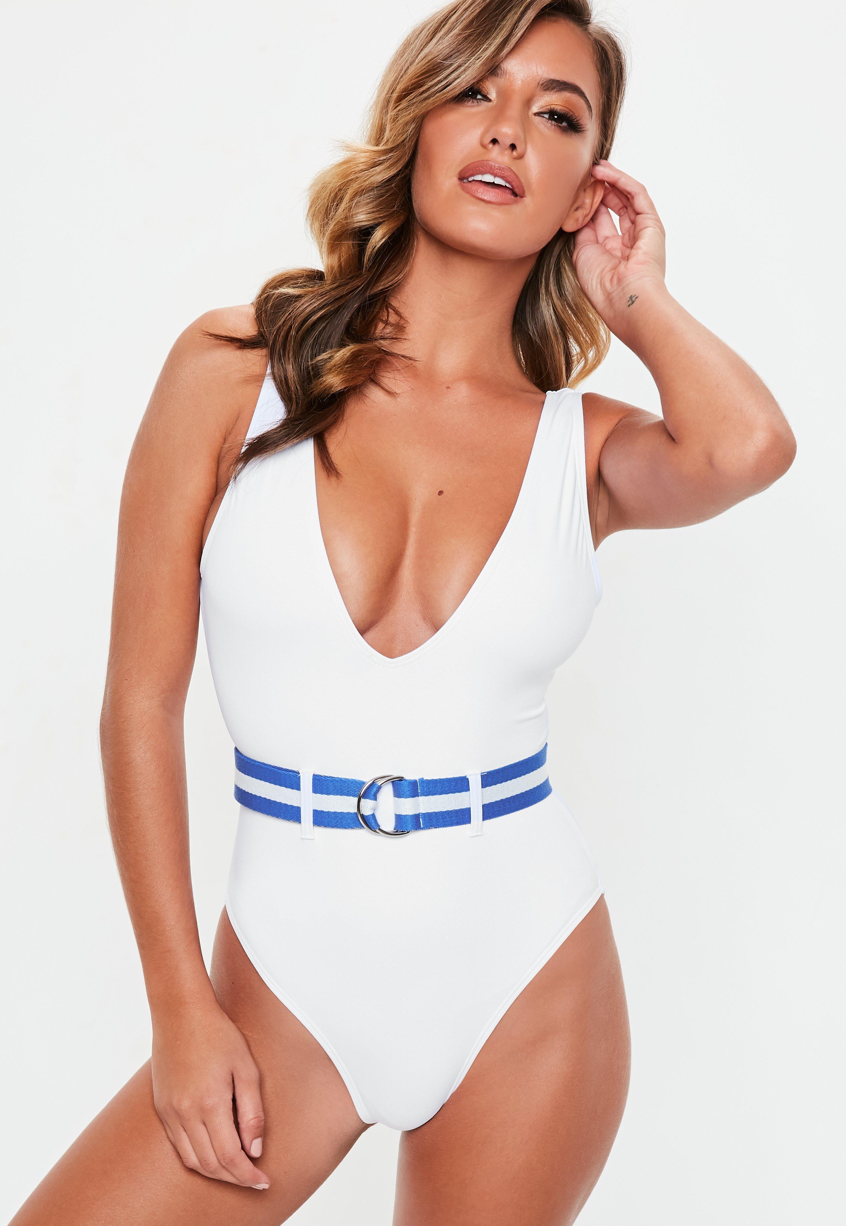 Gegürteter Retro Badeanzug für eine sexy Taille