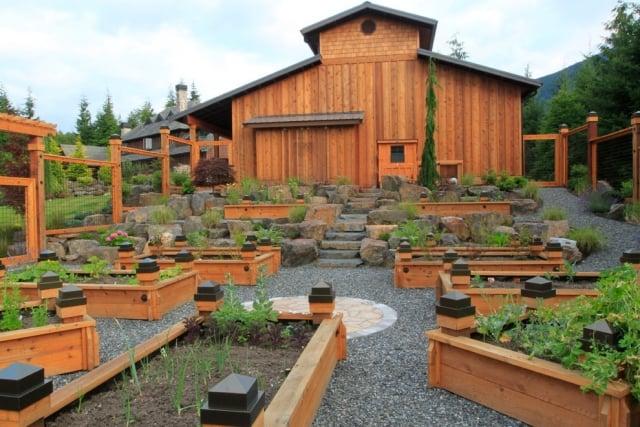 Gemüsegarten anlegen Holzkasten interessante Idee