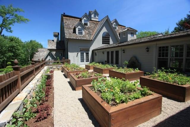 Gemüse anbauen Hochbeete aus Holz
