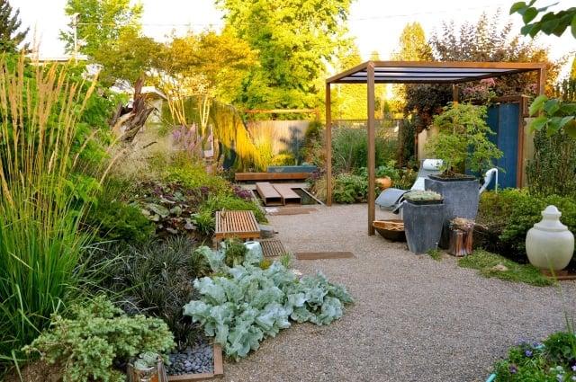 Gemüse anbauen Terrasse Sitzbank