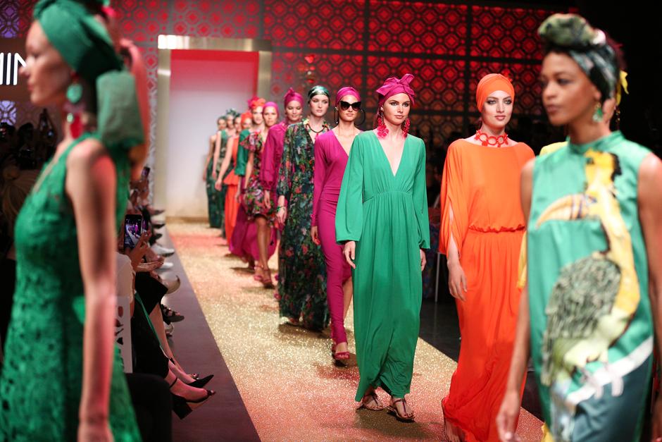Modetrends 2019 knallige Farbtöne