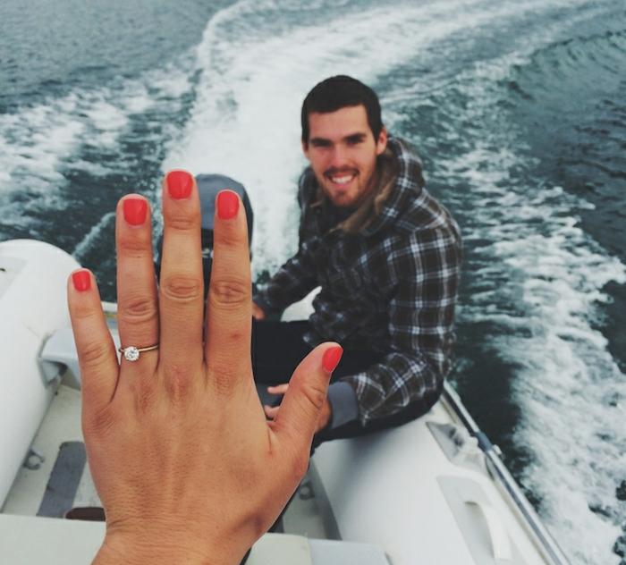 Hochzeitsantrag machen bei einem Bootfahrt