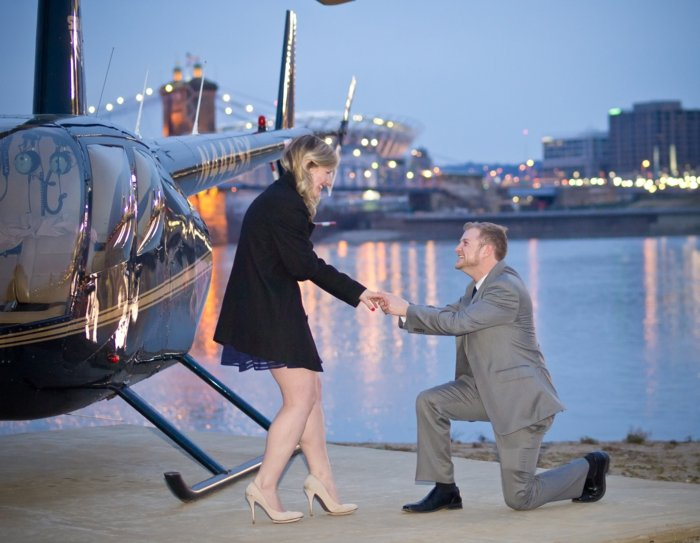 Hochzeitsantrag machen Flugzeugfahrt