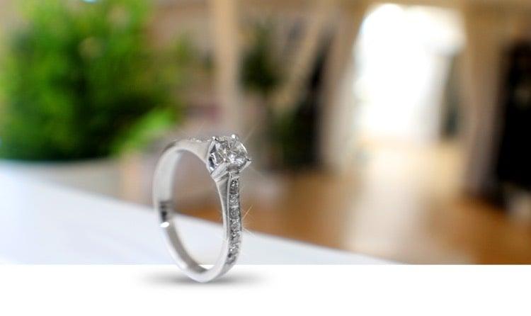 Heiratsantrag machen Verlobungsring