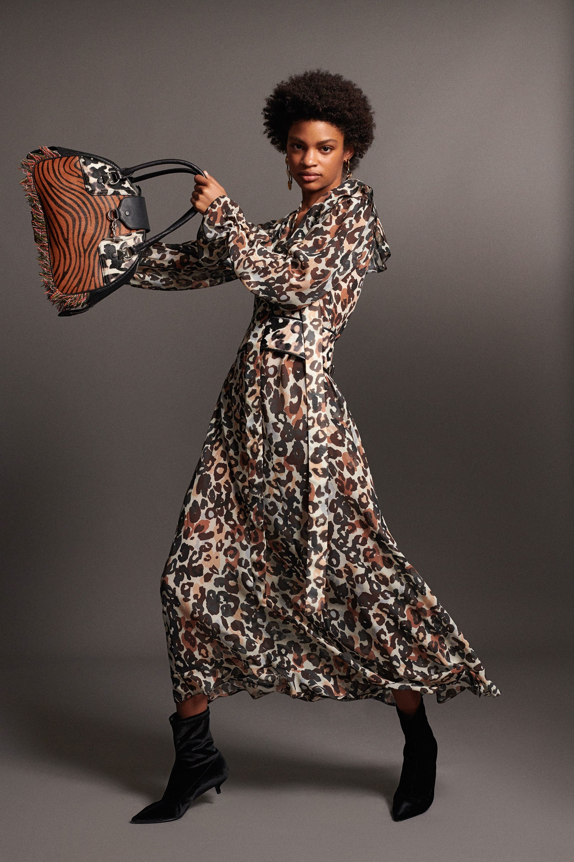 Trendige Leopardenmuster Kleidung - Kleid Leopardenmuster