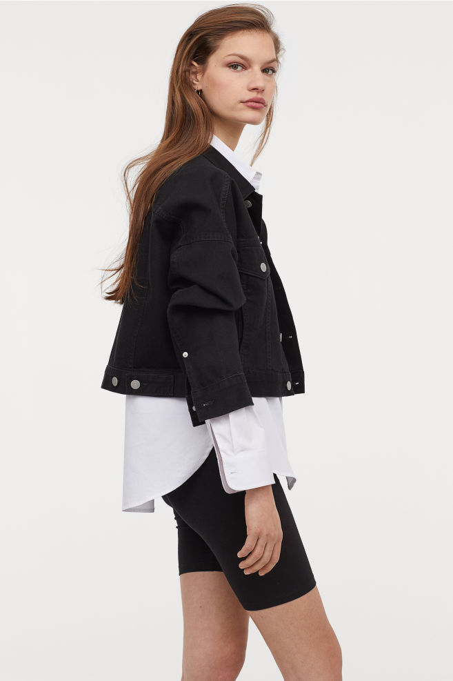 Radlerhosen Damen mit Hemd und Jacke kombinieren