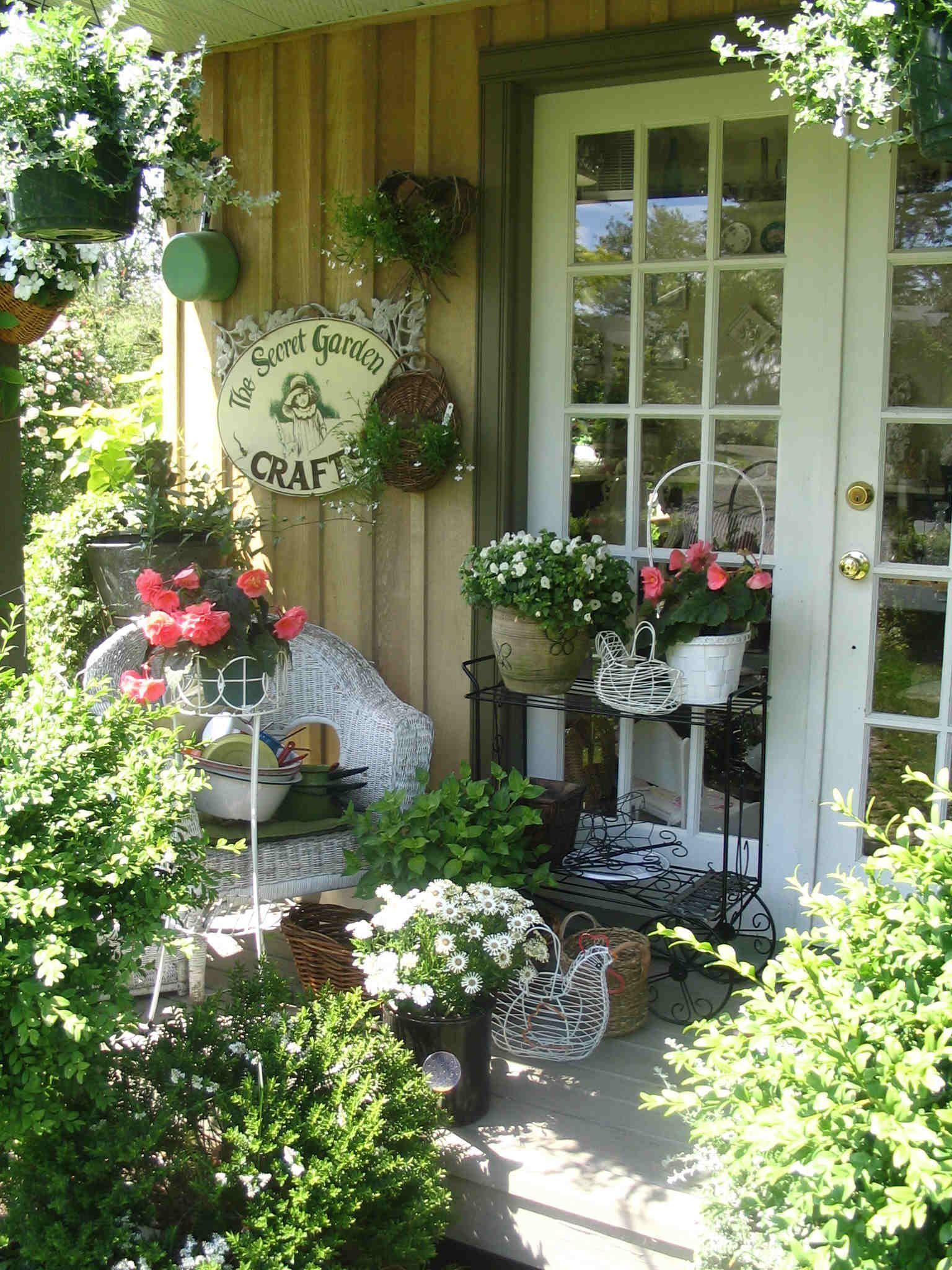 Shabby Garten gestalten mit Blumen