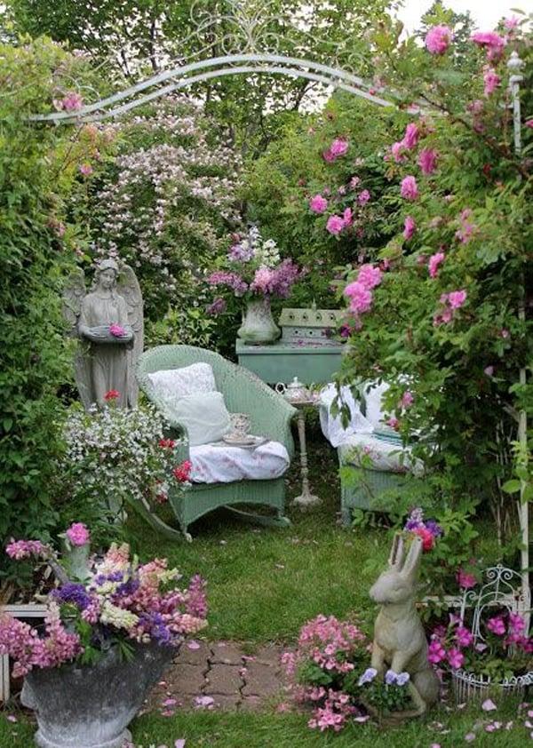 Shabby Garten gestalten mit Rosen