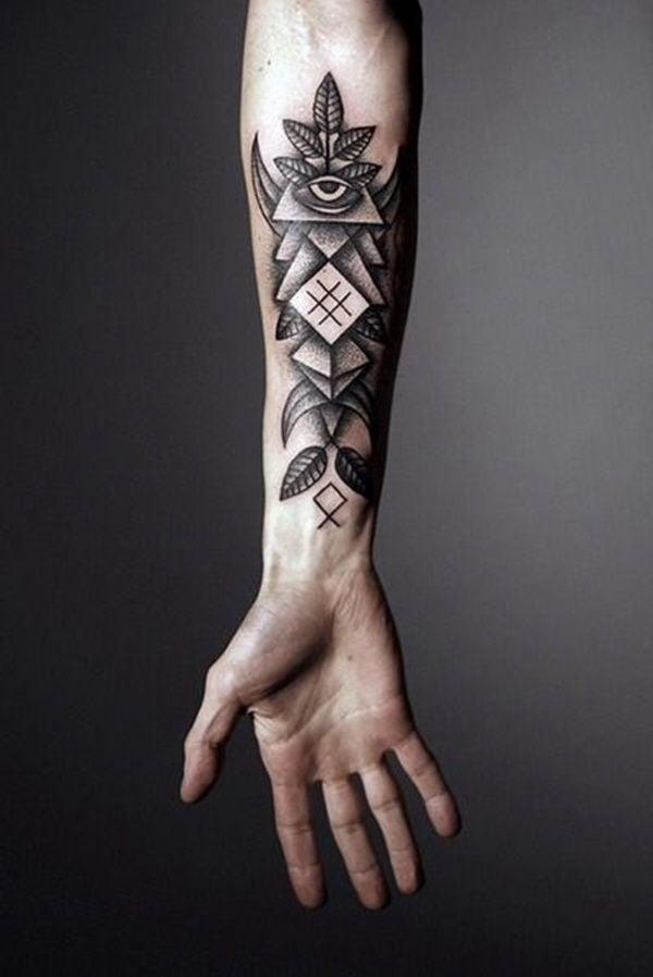 Tattoo Arm Mann allwissende Auge