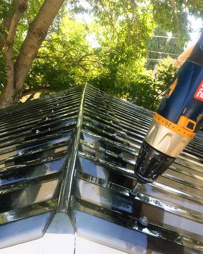 Stelzenhaus Dach montieren