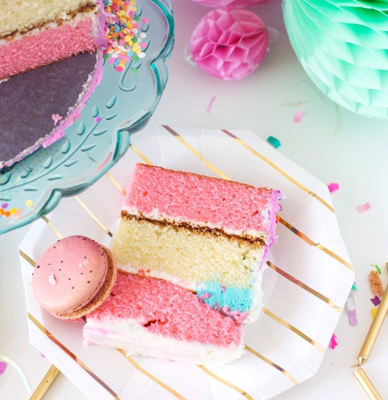 Ausgefallene Kuchen für Kindergeburtstag - Geburtstagstorte mit Macarons verzieren