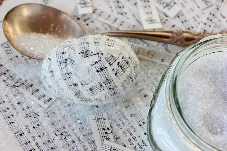 Ostereier dekorieren Notenpapier Kristalle