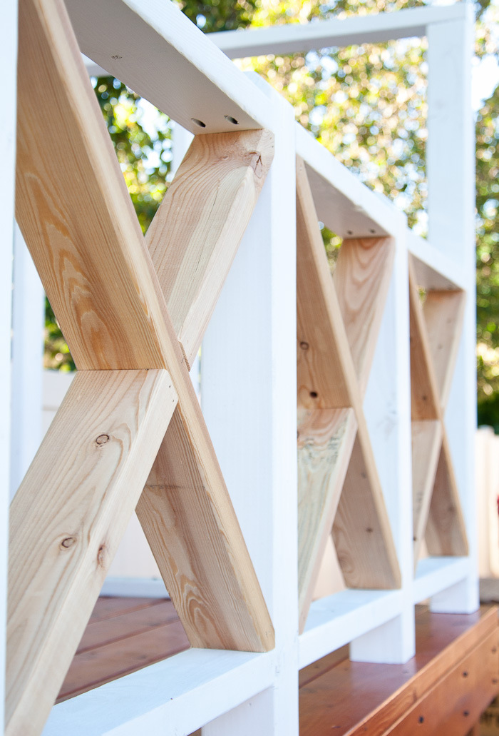 Gartenspielhaus Holzgeländer Kreuzform