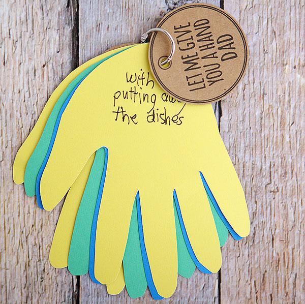 Vatertagsgeschenke basteln mit Kindern kreativ Gutscheine