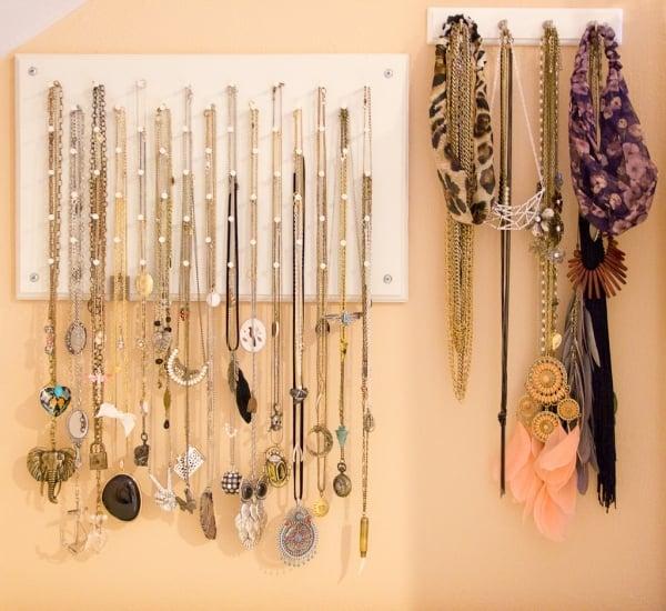 Halsketten aufhängen Kleiderhacken