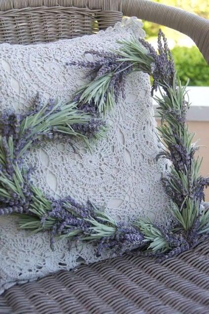 Lavendel trocknen und schöne Dekoration selber machen