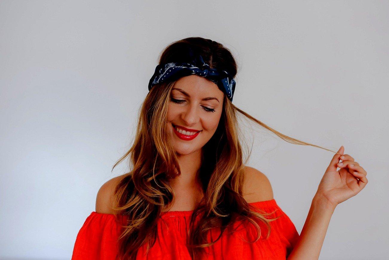 Bandana binden Oberkopf offene Haare