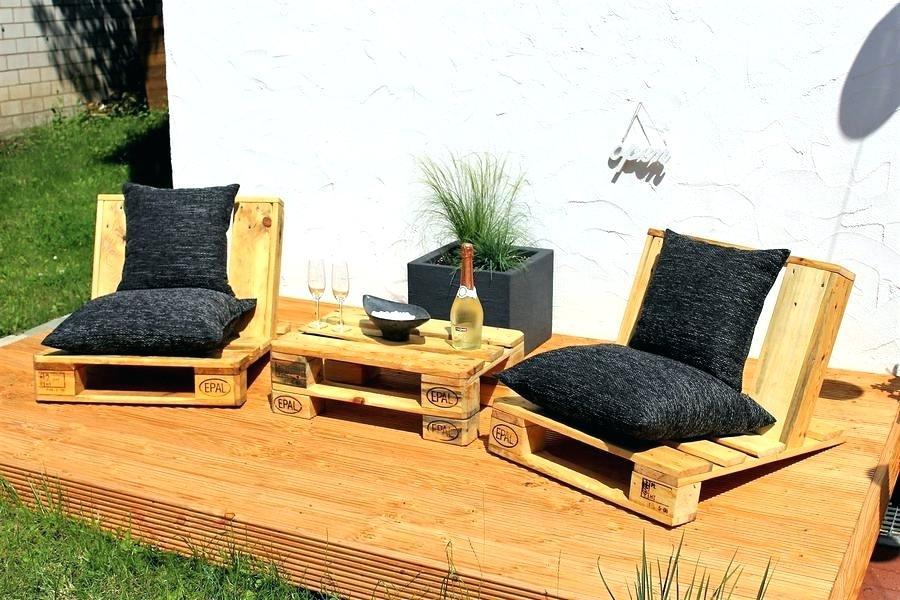 Terasse Palettenmöbel ist wo Sie Ihre Gäste einladen können