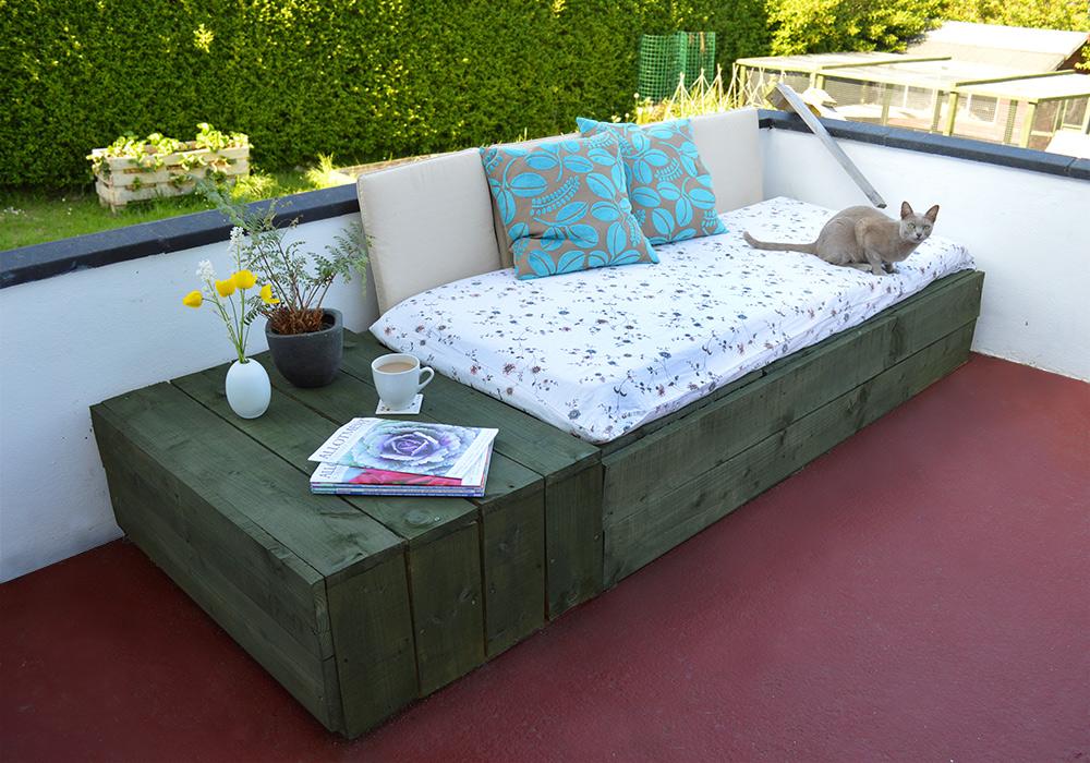 Grüne Palettenmöbel für Terrasse