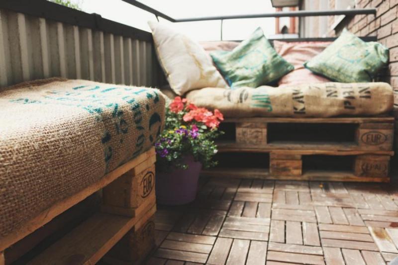 Palettenmöbel Terasse ist der perfekte Platz für warme Tagen