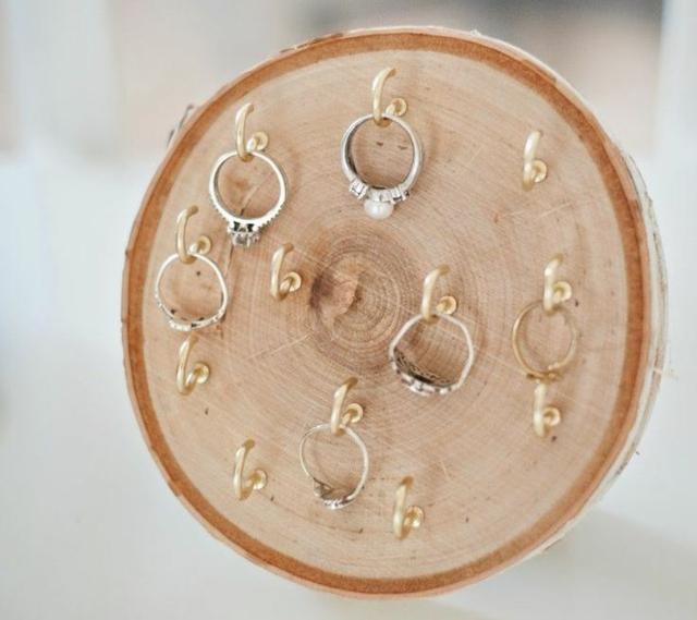 Ringhalter selber machen Baumstamm
