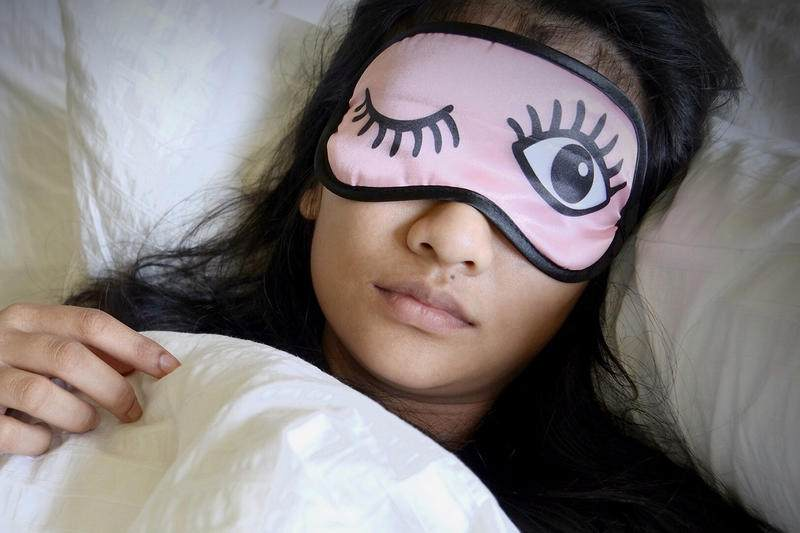 leichter einschlafen Maske tragen